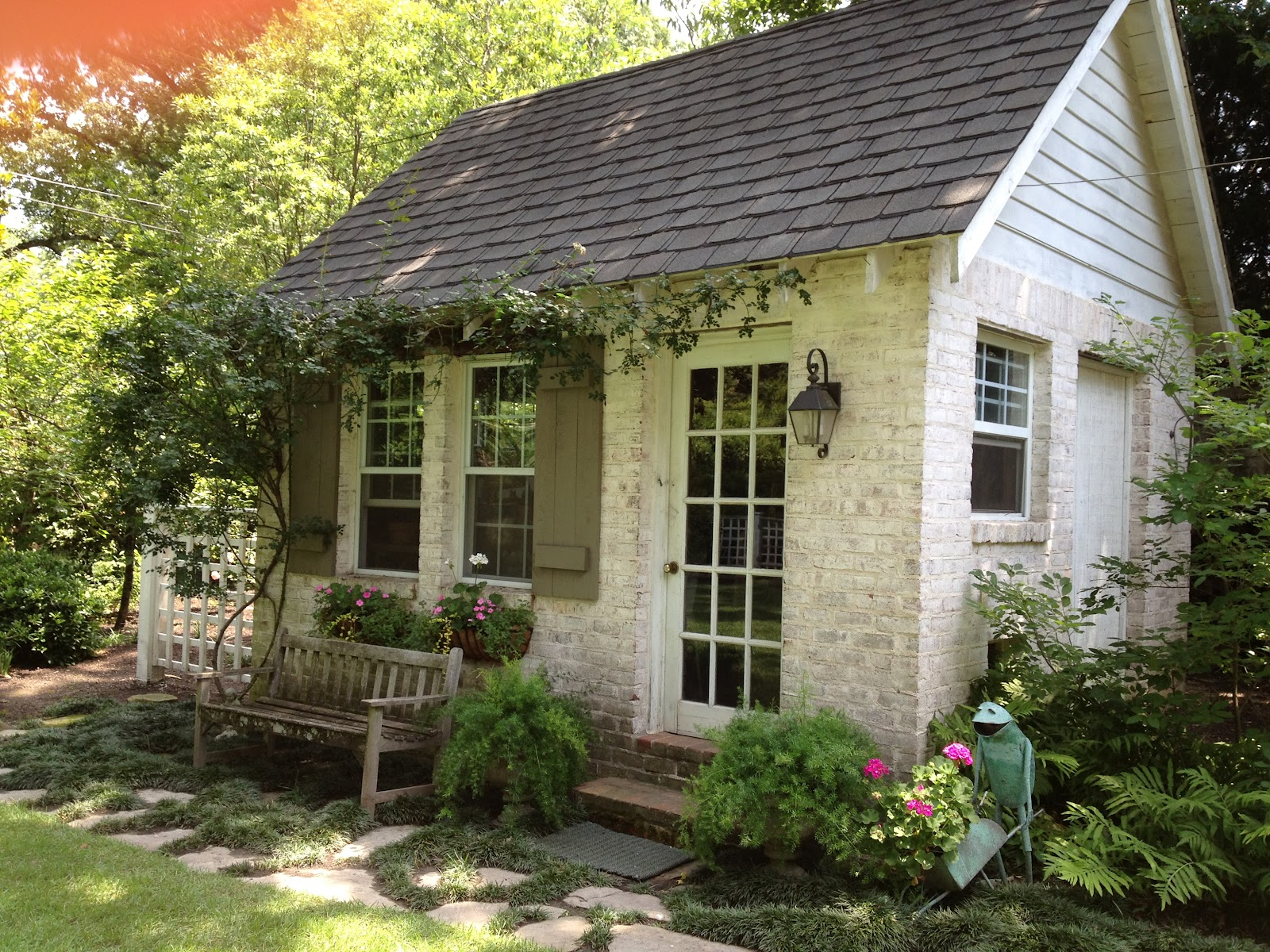 crush of the month: dreamy garden sheds {aka backyard retreats} WUDYKXT