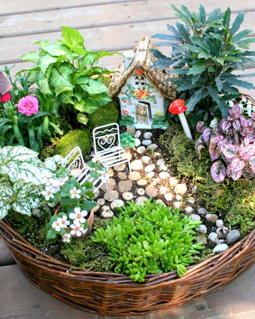 fairy garden ideas great for outdoor garden sales and bazaars VZLQBTI
