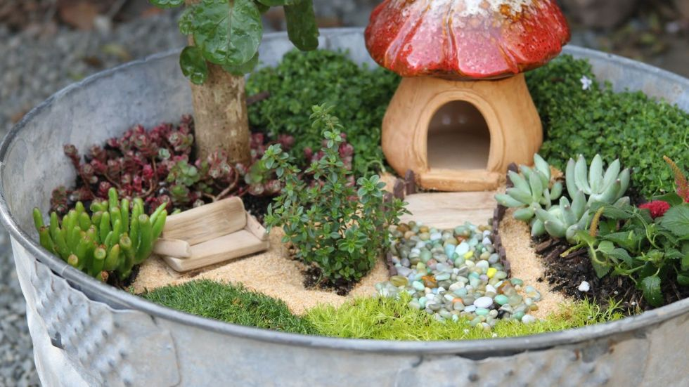 fairy garden ideas wash tub house DUVXGMW