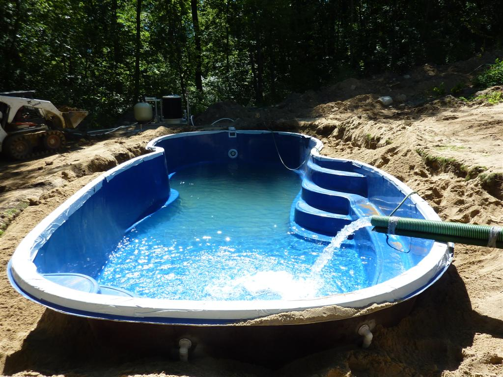 fiberglass pools backfill your fiberglass pool at same rate of water level DWBOLUG