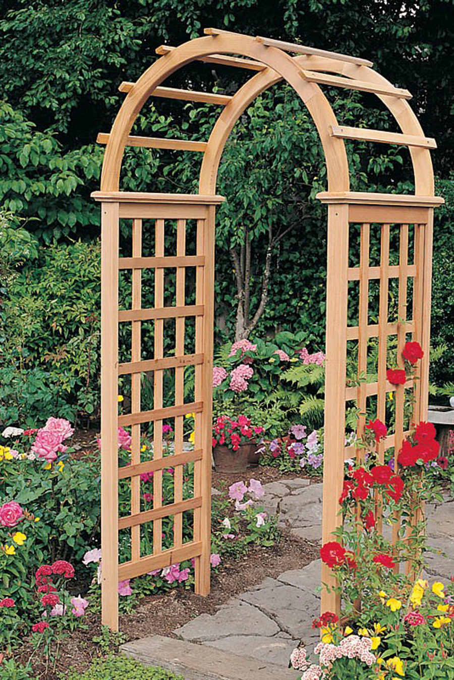 BRING LIFE TO YOUR GARDEN WITH GARDEN ACCESSORIES