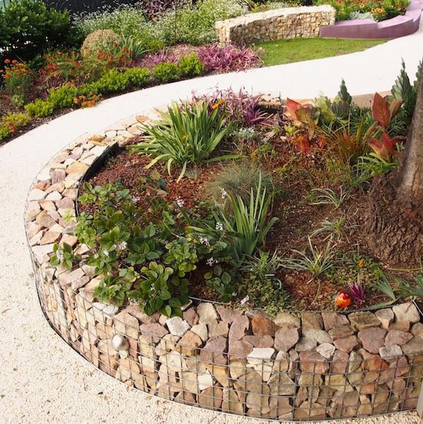 garden edging ideas gabion wall used as edging LZRDCUV