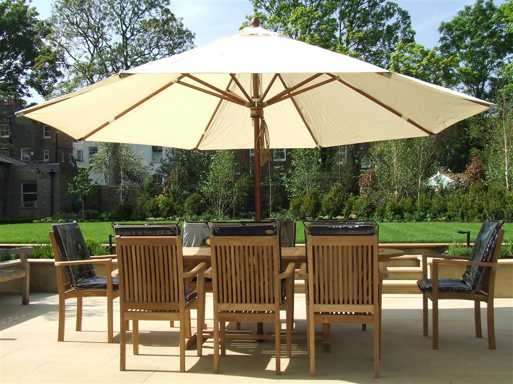 garden parasols setting up some quality cushions can provide you and your guestsu0027  comfortable seating. some wood material VCOHFLN