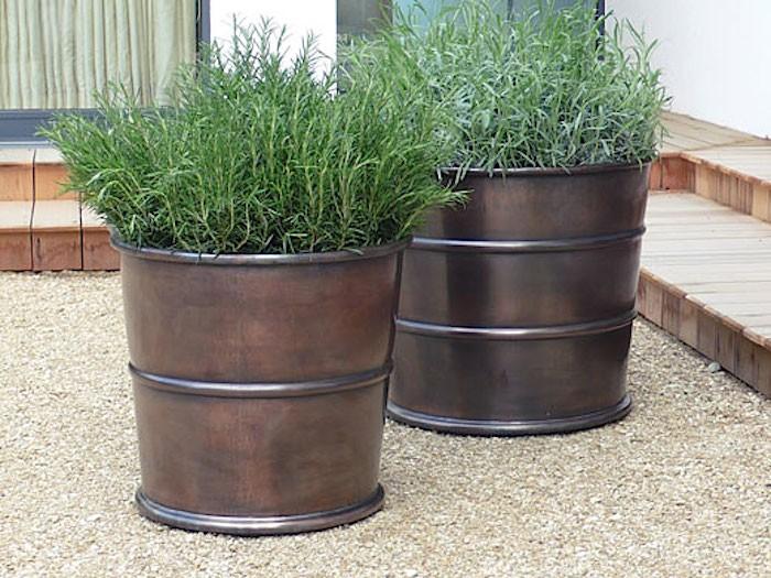 garden pots 10 easy pieces: bronze garden planters XSDSIGE