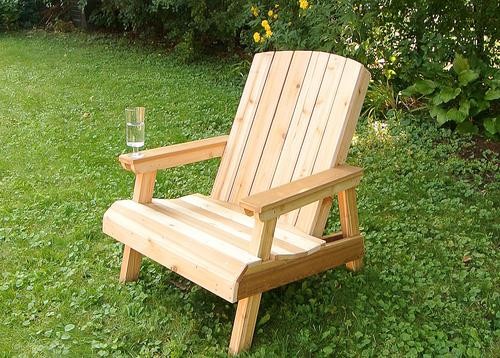 The Benefits of Folding Lawn Chairs