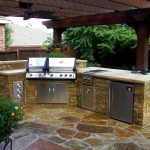 4 Amazing Outdoor Kitchen Ideas