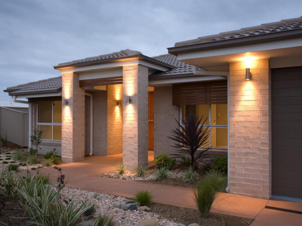 outdoor lighting ideas landscape lighting ideas | hgtv MQYFMER