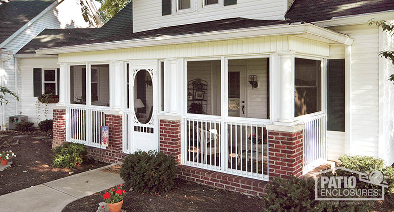 screened in porch white aluminum frame screen room with picket railing system VYIXSAC