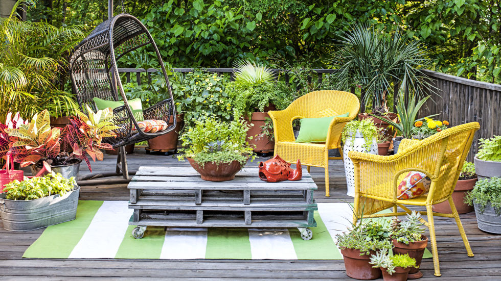 small garden ideas pile on pots XRTCGHW