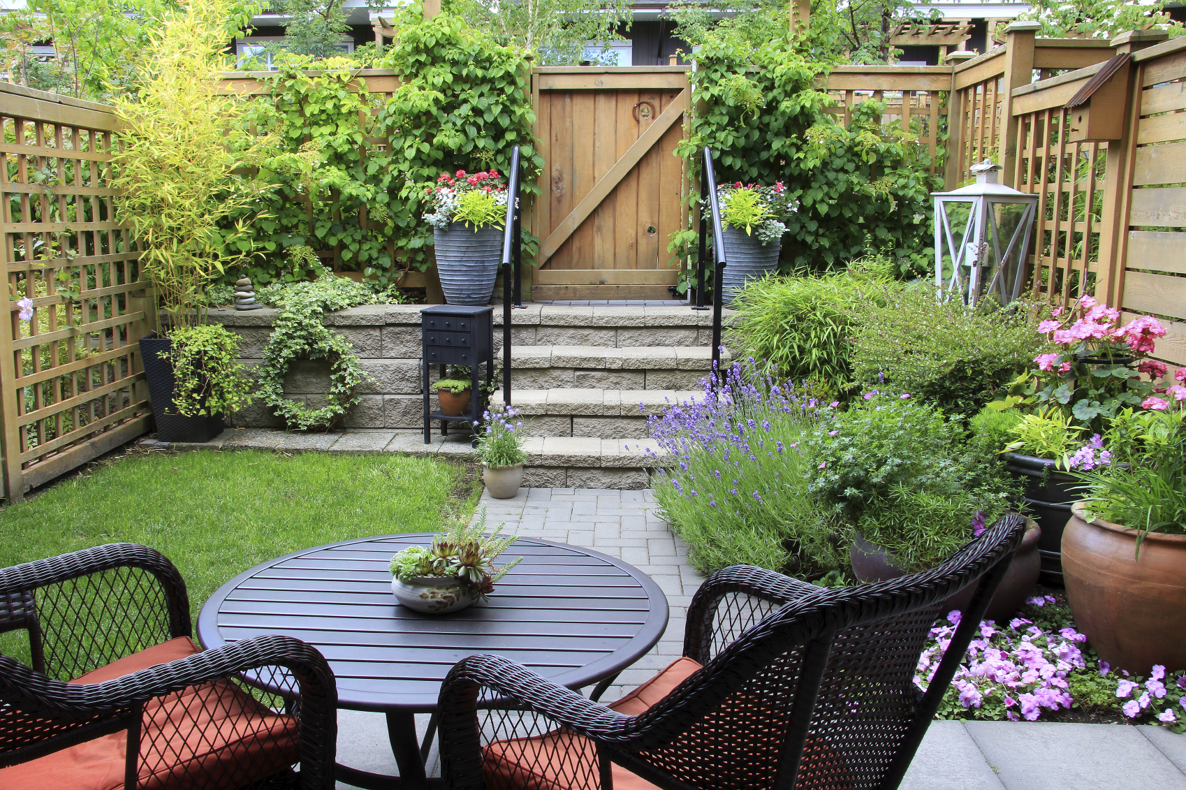 small space gardening ideas: tips for creating gardens in small spaces SMDDRZQ