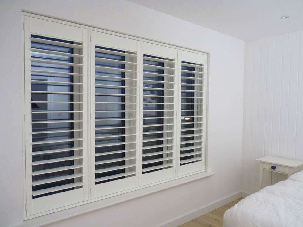 to amuse your place you can buy shutter blinds with latest designs and  trendy colors. to USJASHC