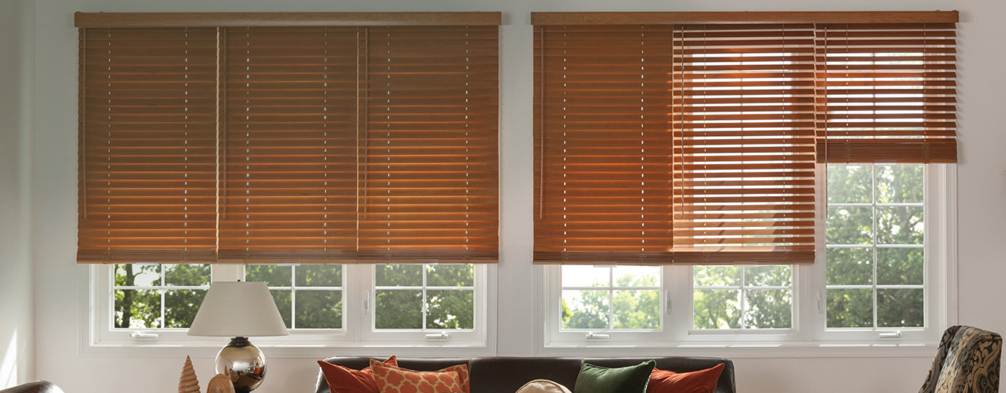window-blinds-for-living-room why should you choose window blinds wisely UIROSQA