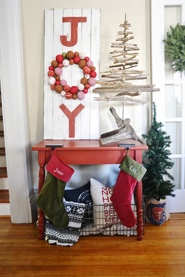 Basic mandatory christmas decorating ideas