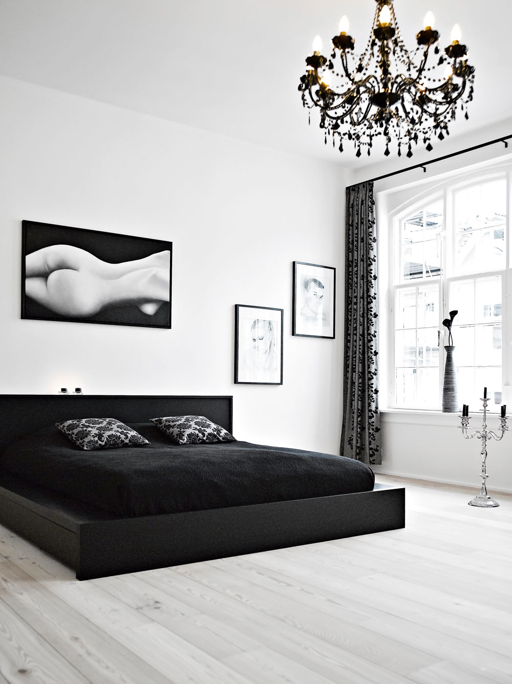 Prevailing black and white colored bedrooms