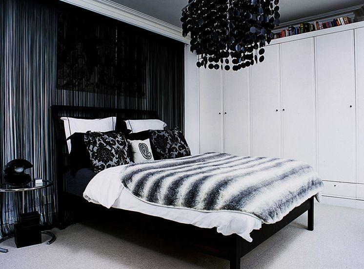 black and white bedroom home decorating trends - homedit HATEXKT