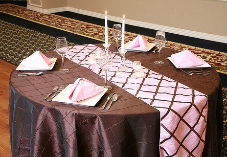 buy elegant table linens to have classy look QKBBXVA