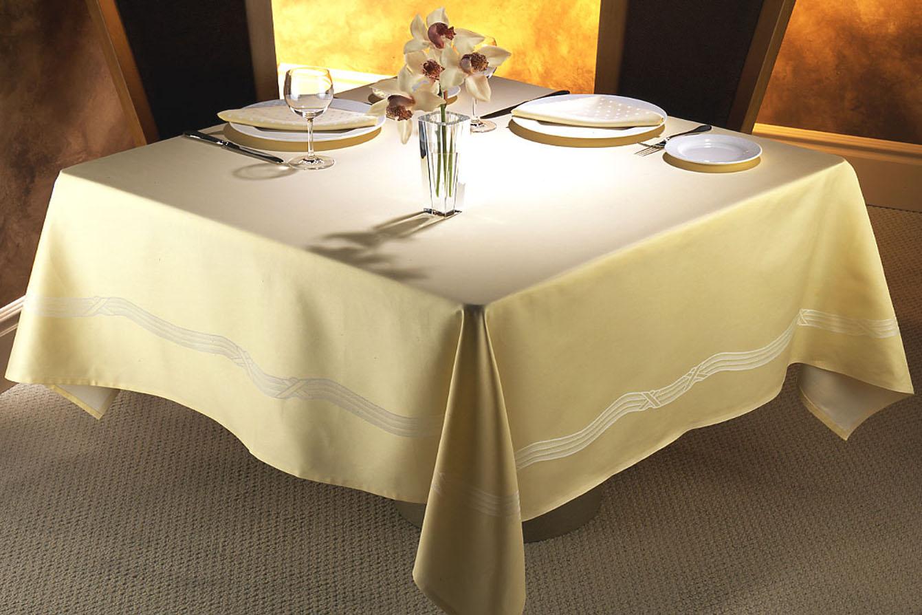 buy elegant table linens to have classy look RJDAXJN