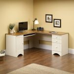 Corner desk ideas and tips for your home and office