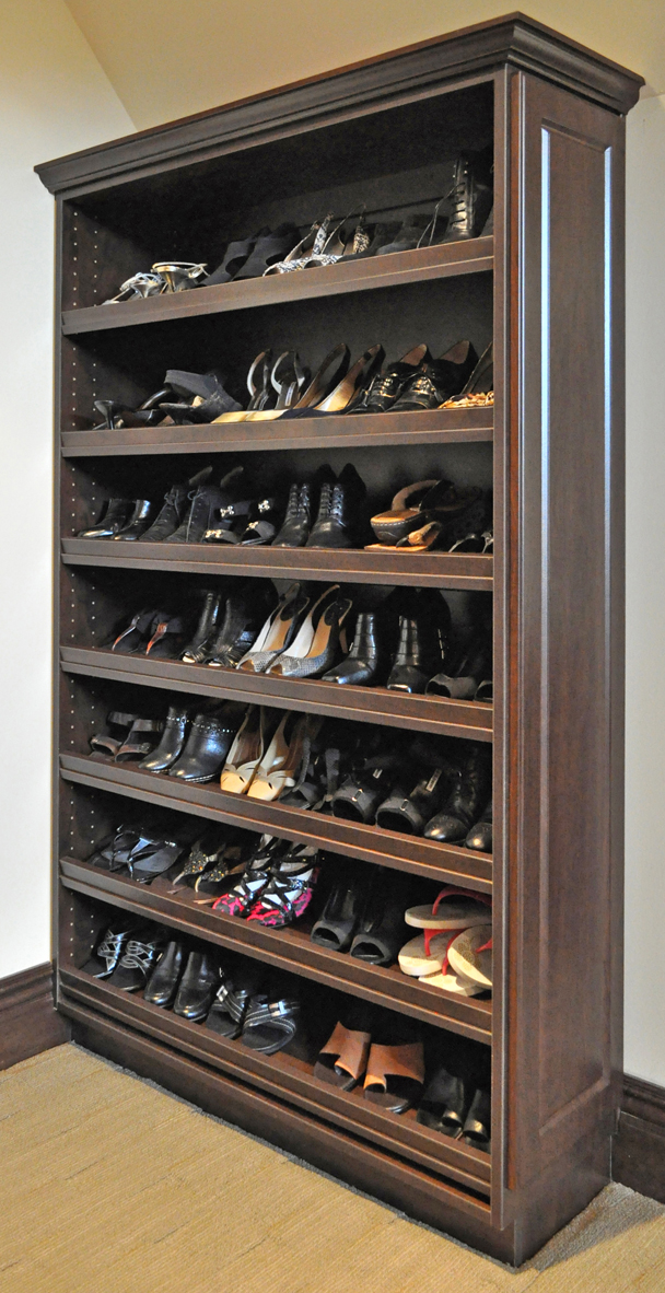 display shoe shelves - slanted with a front lip WLLURUX