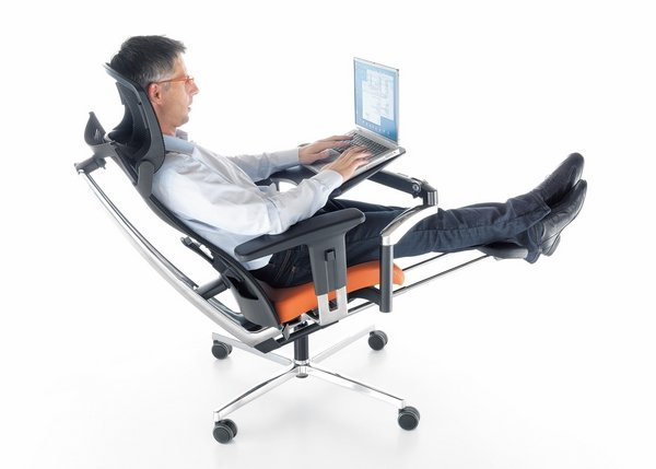 Life of labor at ease with ergonomic chairs
