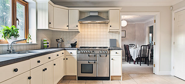 Furnish your kitchen with exciting kitchen units