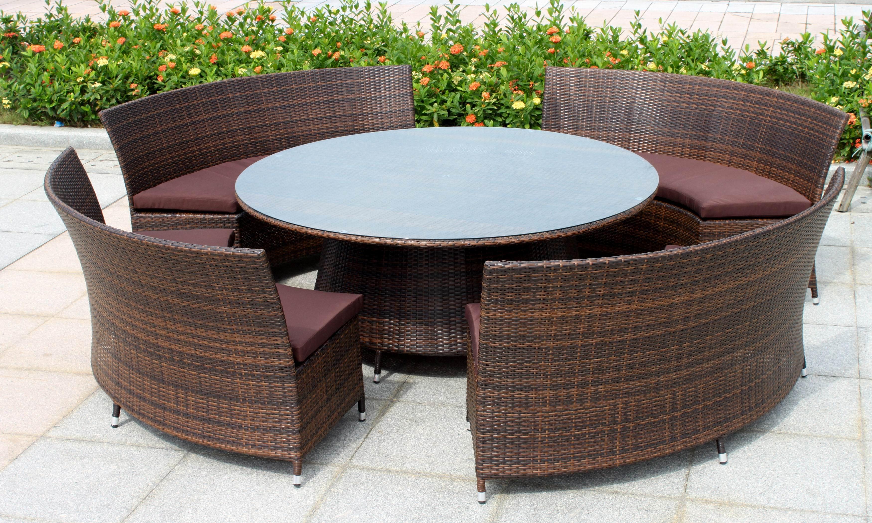 Reasonable outdoor wicker furniture for your garden