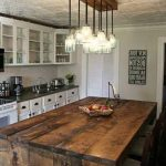 Kitchen light fixtures to accentuate the look of your kitchen