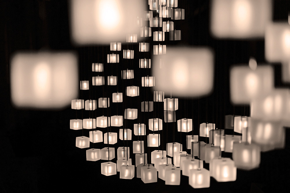 lighting design graypantsu0027 mobius lamp mimics flocks of starlings with sparkling cubes  strung from IPTEJYL