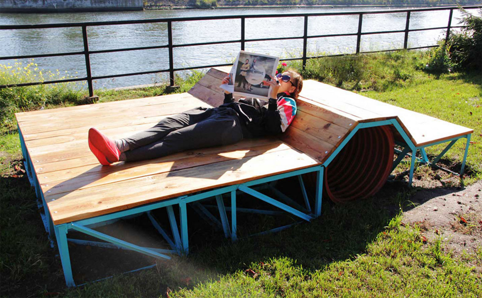 reshtki turns unwanted u201ctrashu201d into comfortable and stylish urban furniture  | inhabitat IASHSZJ