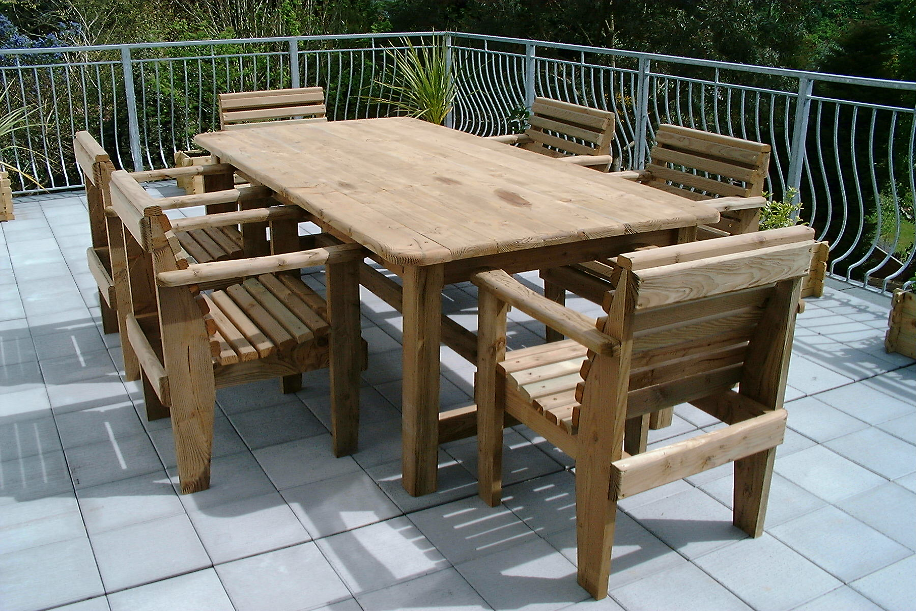 round wooden garden table and 6 chairs starrkingschool HEOXCTL