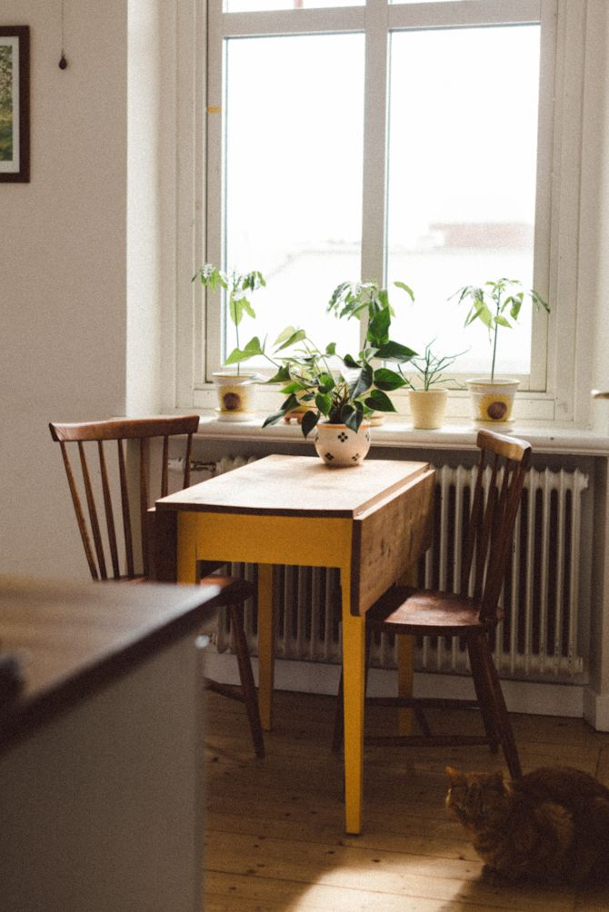 small kitchen tables folding tables are great space savers and are typically easy to find at RKCAKAF