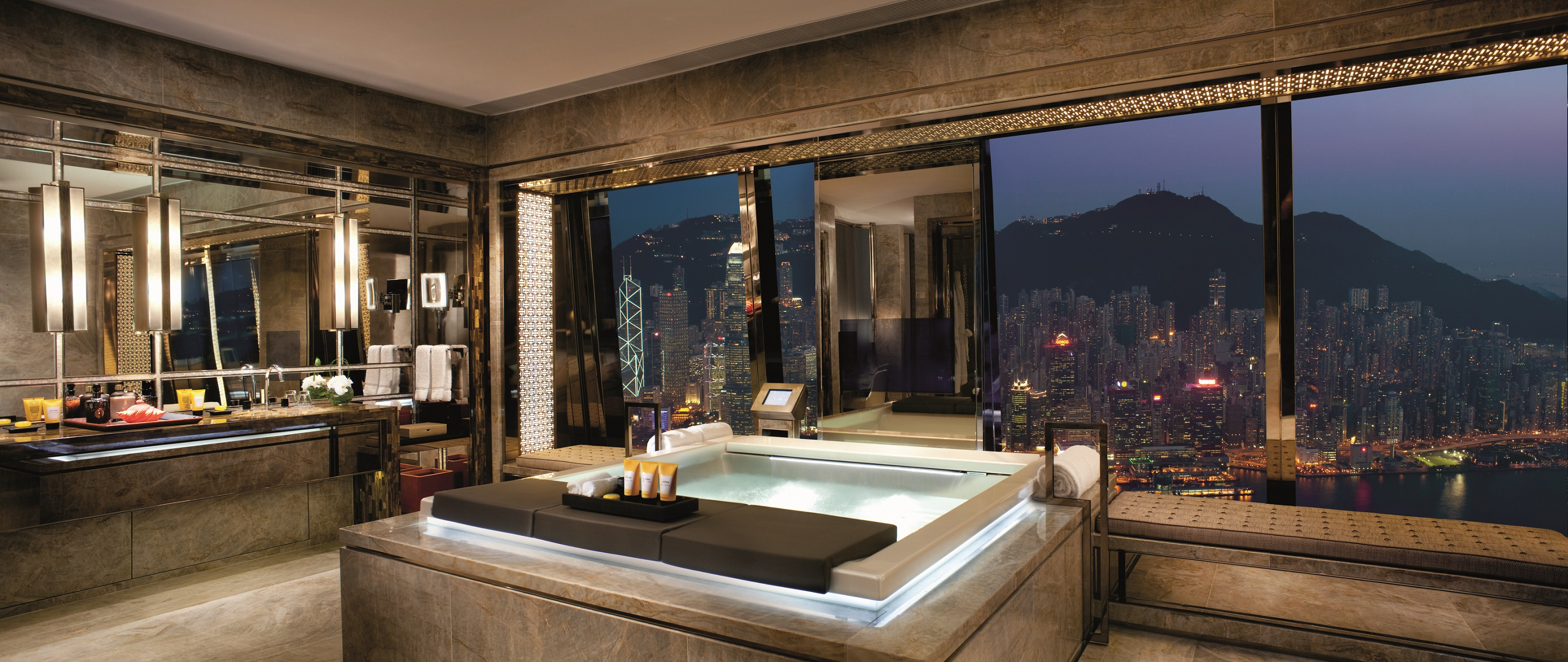 the ritz-carlton suite - victoria harbour, luxury bathrooms JIRUJIO