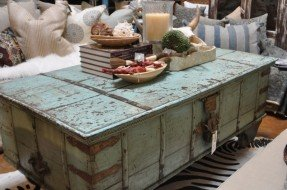 vintage trunk coffee table @ bungalow OFUFIWS