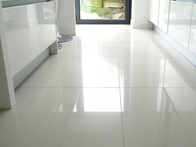 ceramic tile floor the pros u0026 cons of ceramic tile flooring EFNWZRO