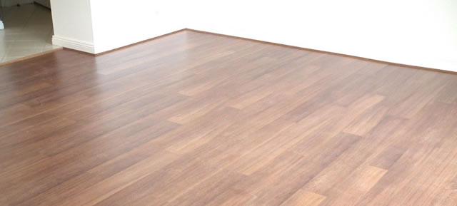 Floating laminate floor delightful laminate flooring floating 2 AQHUFSM