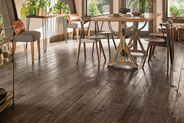 Hand-scraped hardwood flooring for a beautiful house: