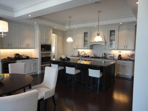 hardwood floors in kitchen hardwood flooring vs tile in the kitchen SADHNWV