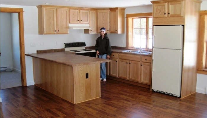 laminate flooring kitchen cabinets laminate flooring kitchen oak laminate flooring in kitchen floors KYCXRSA