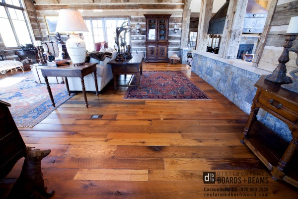 reclaimed flooring this wide plank reclaimed oak flooring was given a fresh 100% smooth SPSUIBS