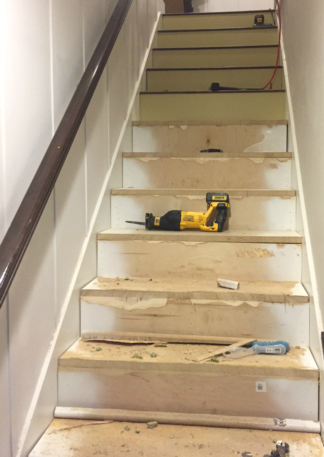 replace carpet on stairs wood-stairs-diy KXXLHAE
