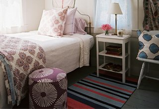 runner rugs beside bed photo by patrick cline / lonny magazine MUBIXXL