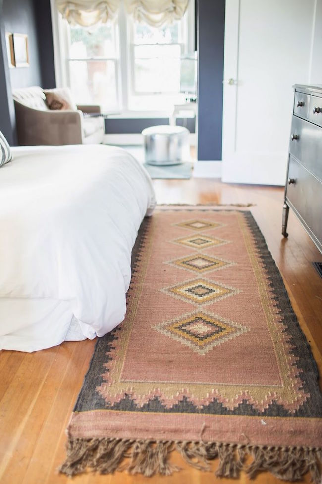 runner rugs beside bed runners work best on the sides and end of the bed. PGCNFDZ