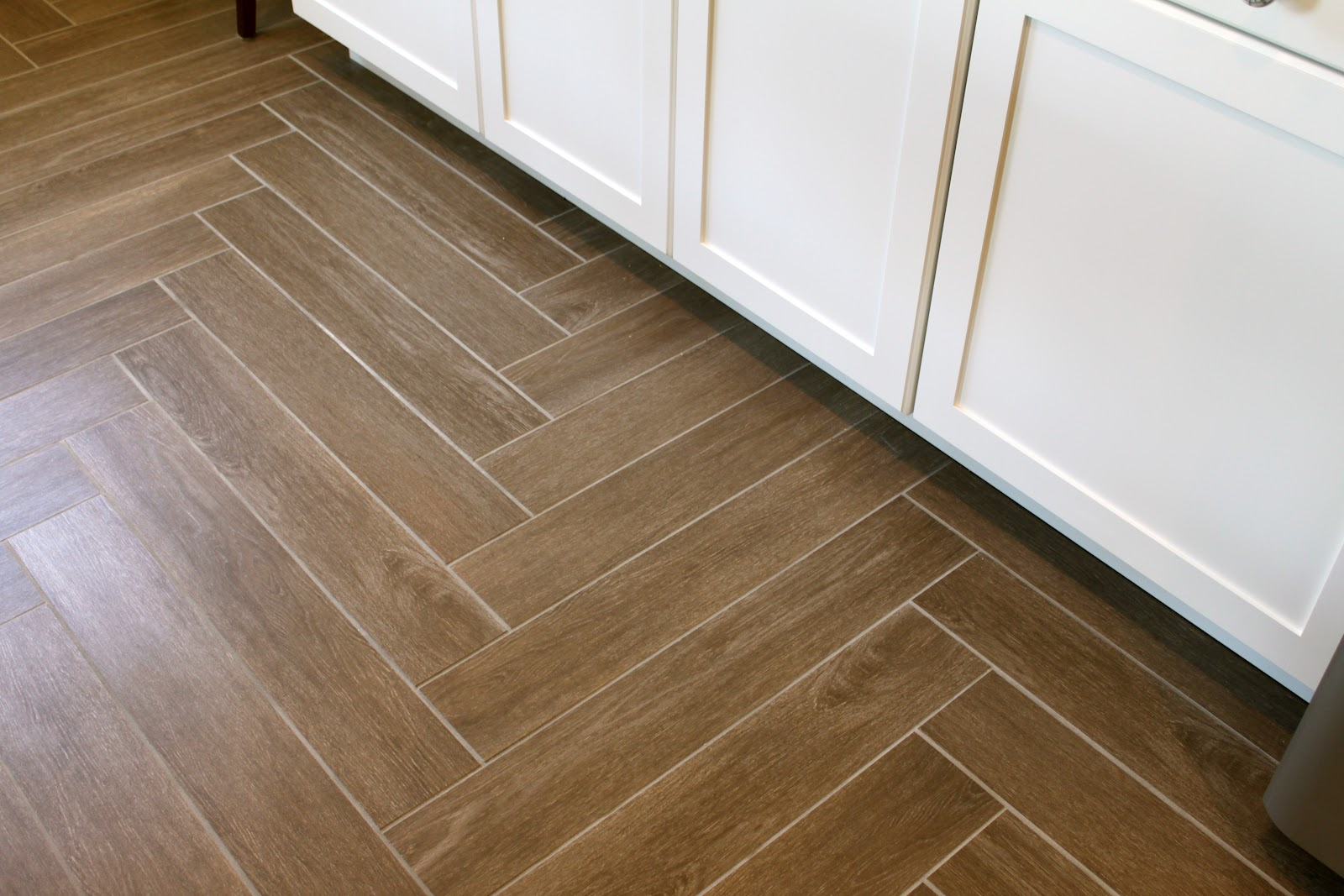 Simple laminate flooring natural simple design of the laminate flooring herringbone design that has  wooden XYHFPNE