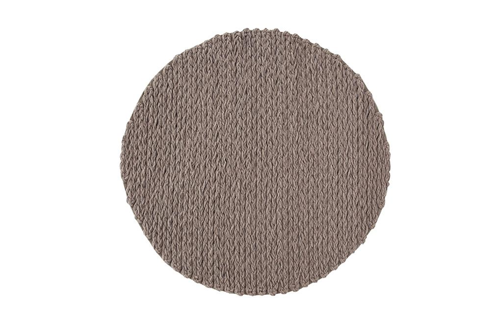 trenzas. gan. spaces. trenzas circular rug. ZROZBDA