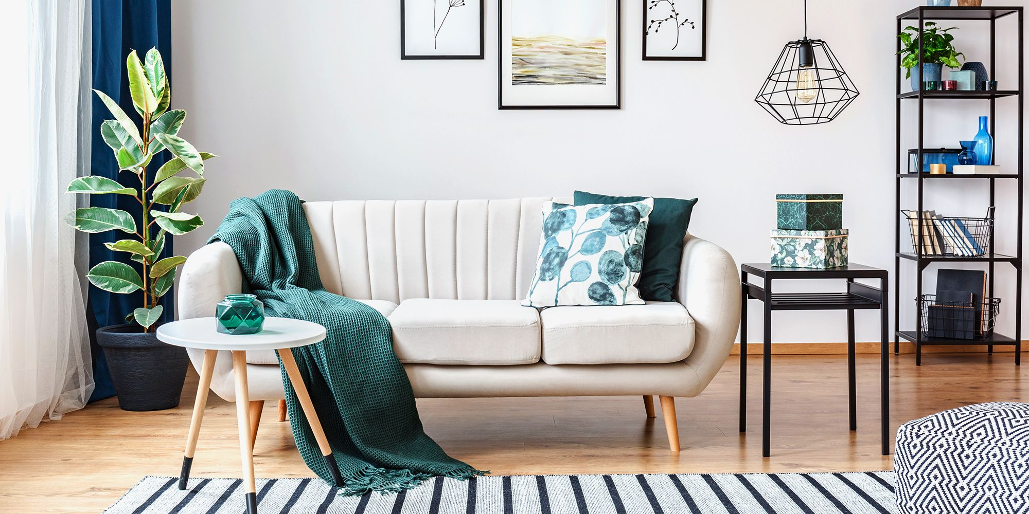 15 Best Small Apartment Decor Ideas for 2019 - How to Decorate a