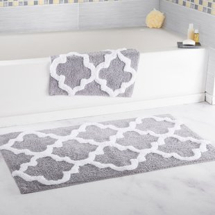 How to shop around for bath rug sets