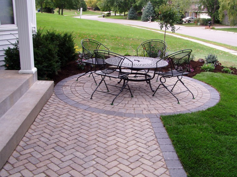 Tips and Tricks for Laying an Outdoor Brick Patio