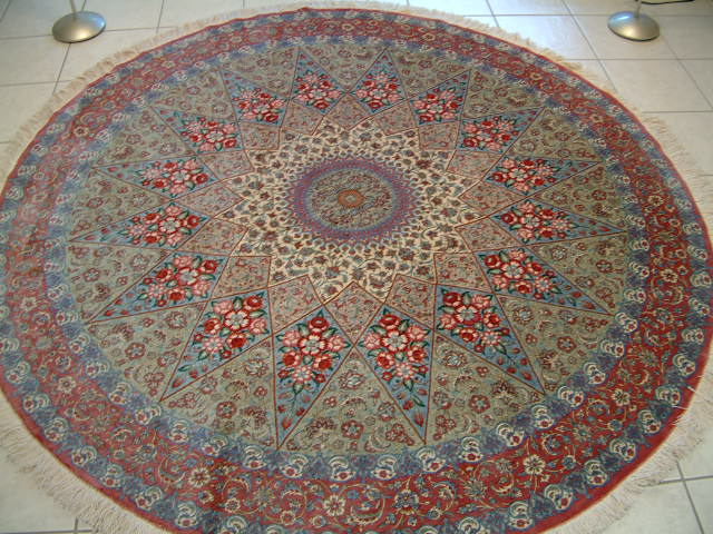 Round Rug and Carpet Guide