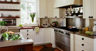 Cottage Kitchens | HGTV