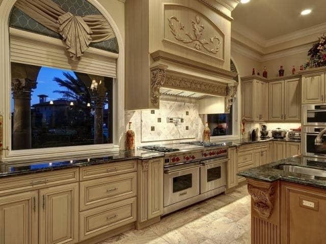 Houston-Custom-Kitchen-Cabinets-2-640x480 - Unique Builders